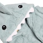 Albornoz de bebé con forma de tiburón - Detalle de la capucha